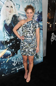 Candace wears a one-shoulder butterfly-print frock for the 'Sucker Punch' premiere.