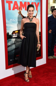 Katie Aselton kept it minimal yet elegant all the way down to her black slim-strap sandals.