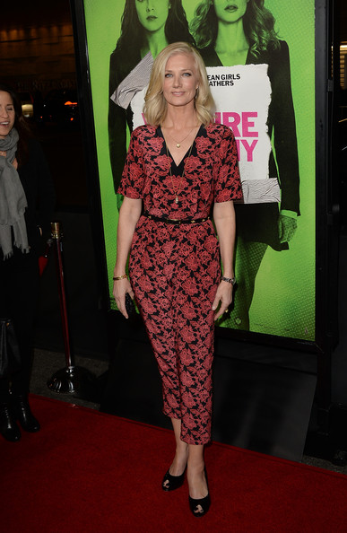 More Pics of Joely Richardson Jumpsuit (1 of 4) - Jumpsuit Lookbook - StyleBistro