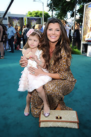 Ali Landry wore a beveled matte gold ring with black diamond crystals for the premiere of 'The Zookeeper.'