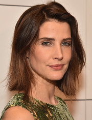 Cobie Smulders sported a short straight cut with a side part at the Broadway opening of 'Present Laughter.'