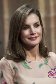 Queen Letizia of Spain styled her hair into a simple flippy 'do for the Princess of Asturias Awards.