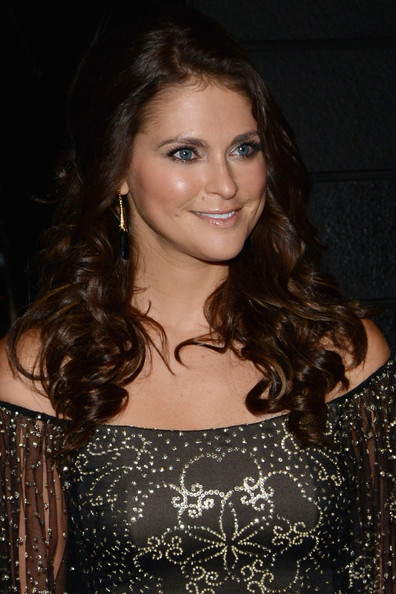Princess Madeleine Long Curls [hair,hairstyle,eyebrow,brown hair,lady,beauty,long hair,chin,smile,lip,madeleine of sweden,dinner,swedish-american chamber of commerce from farm to fork royal gala award,new york city,swedish-american chamber of commerce,award dinner,farm to fork royal gala]