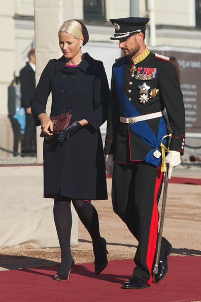 Princess Mette-Marit Wool Coat [uniform,official,military officer,ceremony,event,military uniform,carpet,costume,gesture,ceremony,state visit,norway,state,finnish,royal palace,oslo,mette-marit,haakon]