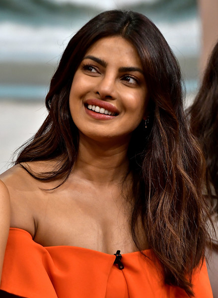 Priyanka Chopra Long Wavy Cut