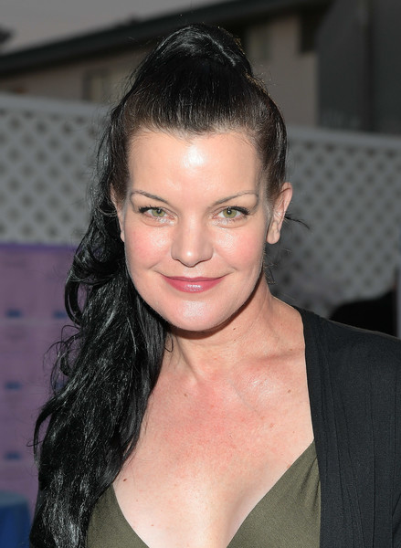 More Pics of Pauley Perrette Ponytail (1 of 4) - Pauley Perrette Lookbook - StyleBistro [hair,face,eyebrow,hairstyle,lip,beauty,chin,forehead,black hair,long hair,pauley perrette,angel awards,hollywood,california,project angel food,2018 angel awards]