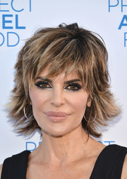 Lisa Rinna attended the 2016 Angel Awards wearing her signature layered razor cut.