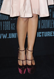 Marion Cotillard rocks out a fierce pair of John Galliano platform wedges at the premiere of her new movie, Public Enemies.