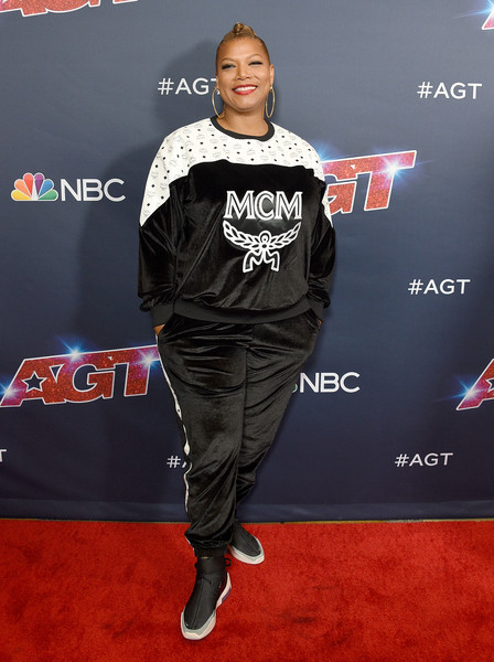 Queen Latifah Crosstrainers [americas got talent,season,carpet,red carpet,premiere,flooring,muscle,event,performance,t-shirt,red carpet,latifah,california,hollywood,dolby theatre]