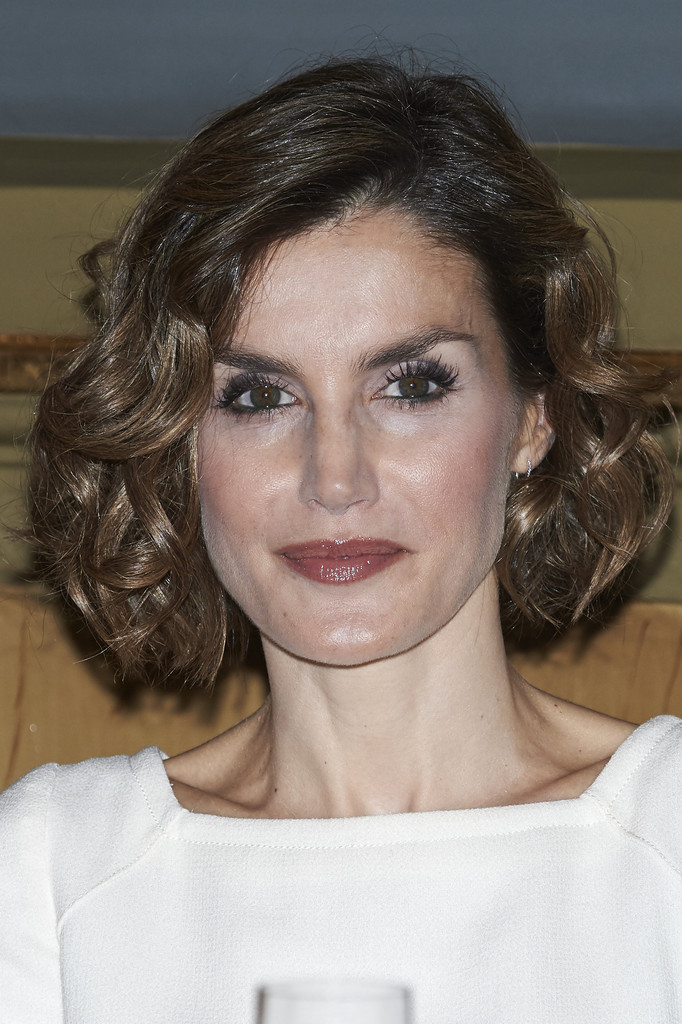 Queen Letizia S Bouncy Short Curls Hairstyles For Women