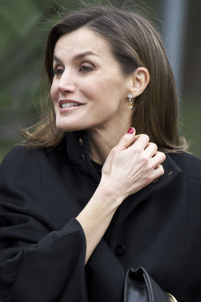 Queen Letizia of Spain Dangling Gemstone Earrings [letizia of spain delivers international friendship award,queen,international friendship award,hair,face,hairstyle,beauty,lady,chin,lip,fashion,cheek,ear,spain,madrid,iese campus]