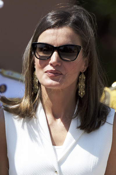Queen Letizia of Spain Gold Dangle Earrings [eyewear,hair,sunglasses,white,glasses,face,cool,hairstyle,beauty,vision care,royals,letizia,royal,employment,spanish,spain,offices,madrid,the real offices in the central academy of the defense,delivery]