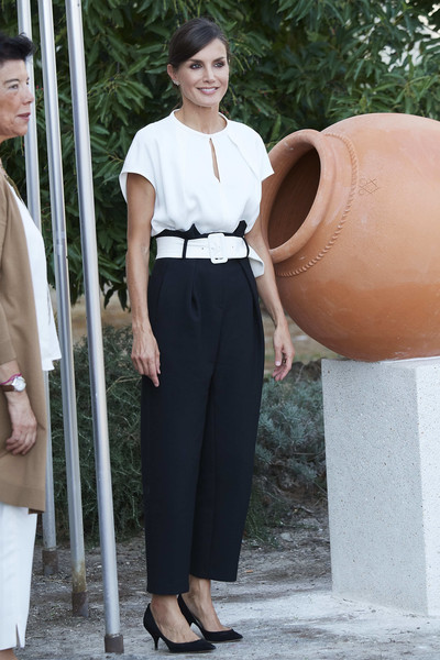 Queen Letizia of Spain Kitten Heels [clothing,white,fashion,shirt,street fashion,beige,leg,waist,neck,top,letizia,scholarship course,torrejoncillo,spain,batalla de pavia,via dalmacia school centres,spain opens the school course,opening]