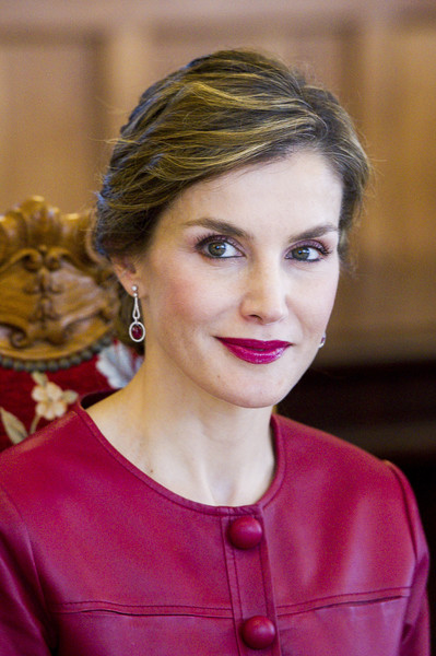 Queen Letizia of Spain Berry Lipstick [hair,face,hairstyle,eyebrow,beauty,lip,chin,blond,fashion,forehead,royals,letizia,join coworking santander programme,botin center,spanish,spain,santander]