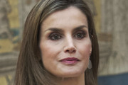 Queen Letizia of Spain Medium Layered Cut