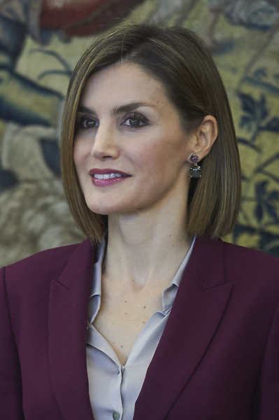 Queen Letizia of Spain Bob [hair,face,beauty,lady,hairstyle,chin,forehead,lip,businessperson,white-collar worker,letizia,audiences,audiences,hair,hairstyle,beauty,fashion,face,spain,zarzuela palace,letizia of spain,palace of zarzuela,fashion,beauty,follow,queen regnant,hairstyle,bob cut,short hair]
