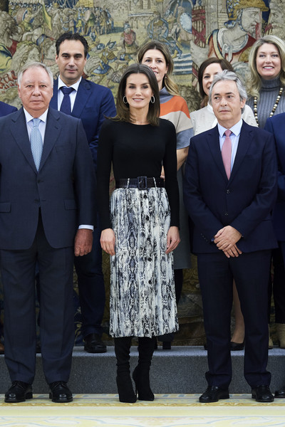 Queen Letizia of Spain Crewneck Sweater [letizia,audiences,audiences,c,social group,event,suit,white-collar worker,team,family pictures,uniform,formal wear,spain,zarzuela palace,madrid]
