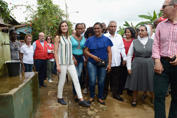 Queen Letizia of Spain Print Blouse [people,social group,community,youth,event,adaptation,team,letizia,water distribution project,spanish,dominican republic,spain,community,santo domingo,third cooperation trip to dominican republic,haiti,visit]