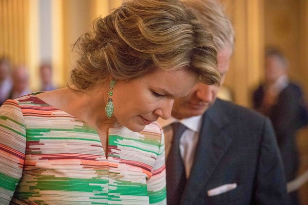 Queen Mathilde of Belgium Dangling Gemstone Earrings [philippe of belgium,mathilde of belgium walk,queen,smile,brussels,royal palace,belgium,inauguration of exhibitions in the royal palace,exhibitions,inauguration]