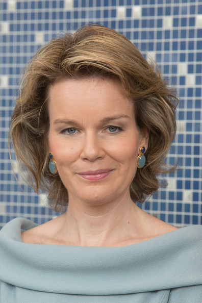 Queen Mathilde of Belgium Bob [hair,face,hairstyle,blond,eyebrow,chin,forehead,beauty,lip,shoulder,philippe of belgium visits the supreme headquarters allied powers europe,mons,belgium,king,mathilde of belgium]
