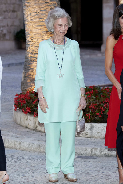 Queen Sofia Tunic [clothing,white,fashion,lady,street fashion,shoulder,outerwear,dress,event,pantsuit,authorities,royals,queen,dinner,spanish,palma de mallorca,sofia,almudaina palace,spain,dinner]