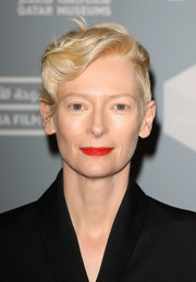 Tilda Swinton styled her hair into a modern finger wave for the 'Okja' screening during Qumra 2018.