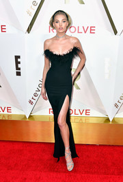 Elsa Hosk looked quite the glamorous bombshell in this feather-neckline strapless gown by LPA at the #REVOLVEawards.