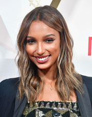 Jasmine Tookes looked fabulous with her boho waves at the #REVOLVEawards.