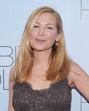 Jennifer Westfeldt sported a simple loose side-parted 'do at the 'Rabbit Hole' New York premiere.