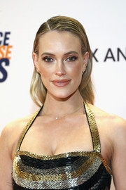 Peta Murgatroyd looked edgy-glam with her wet-look waves at the Race to Erase MS Gala.