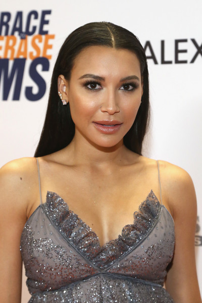 Naya Rivera looked simply elegant with her pin-straight hair at the Race to Erase MS Gala.
