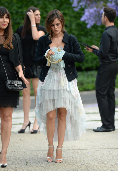 Rachel Bilson Chain Strap Bag [white,clothing,fashion,dress,street fashion,snapshot,leg,cocktail dress,footwear,event,rachel bilson,a celebration of art nature and technology,residence,california,los angeles,nrdc,chanel,chanel dinner]