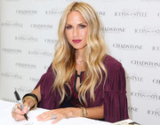 Rachel Zoe showed her perfectly styled boho waves during her 'Living in Style' book signing.