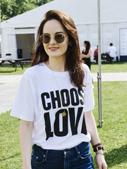 Michelle Dockery kept the sun out with a pair of round shades by Ray-Ban at the All Points East Festival.
