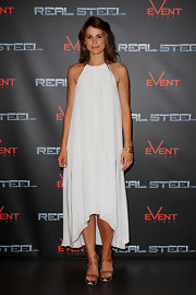 Vogue Wiliams channeled her inner Grecian Goddess in a wispy white number for the premier of 'Real Steel.'
