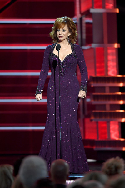 Reba McEntire Beaded Dress [reba mcentire,performance,entertainment,event,performing arts,public event,music artist,singer,fashion,music,singing,academy of country music awards,show,las vegas,nevada,mgm grand garden arena]