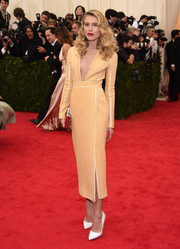 Dree Hemingway's long-sleeve peach Proenza Schouler cocktail dress at the Met Gala was oh-so-sophisticated with its deep-V neckline and side slit.