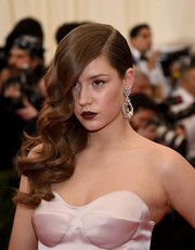 Adele Exarchopoulos was gorgeously coiffed with this dramatic side sweep at the Met Gala.