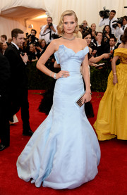 Toni Garrn's pastel-blue Topshop strapless gown at the Met Gala totally made us go weak in the knees.