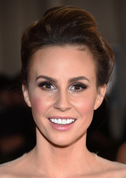 Keltie Knight teased her hair into a cute pompadour for the Met Gala.