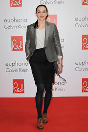 Victoria Pendleton paired a black pencil skirt with her blazer for a simple structured look.