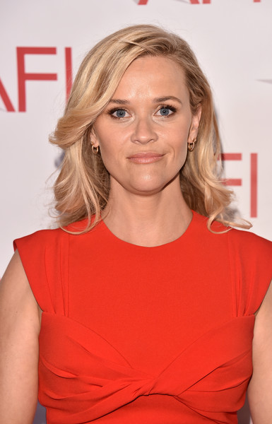 Reese Witherspoon Feathered Flip [hair,face,blond,shoulder,hairstyle,red,chin,cocktail dress,premiere,joint,arrivals,reese witherspoon,los angeles,four seasons hotel,california,beverly hills,afi awards]