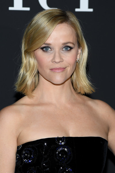 Reese Witherspoon Short Wavy Cut [hair,hairstyle,face,blond,beauty,eyebrow,long hair,shoulder,chin,lip,prive haute couture spring,giorgio armani,reese witherspoon,prive: outside arrivals,part,summer 2020,paris,paris fashion week,haute couture spring,show,reese witherspoon,legally blonde,paris fashion week,fashion,fashion week,photograph,celebrity,actor,photography,image]