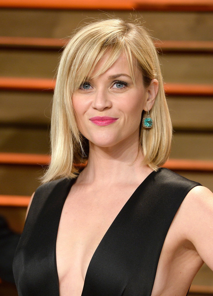 Reese witherspoon shoulder length hairstyles reese witherspoon reese witherspoon wore her hair down in a mid length bob with wispy bangs during winobraniefo Image collections
