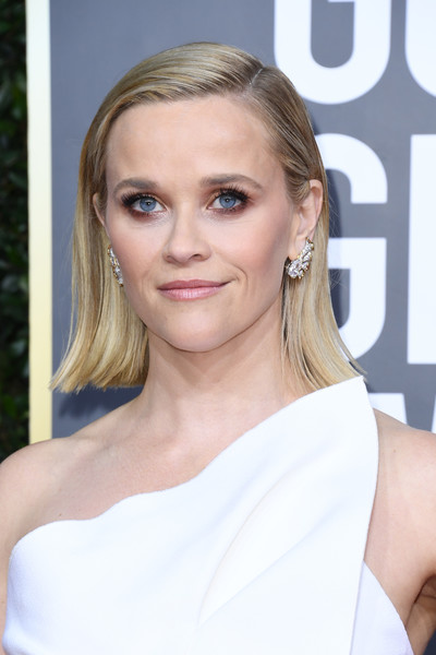 Reese Witherspoon Flip [hair,face,blond,hairstyle,eyebrow,shoulder,skin,beauty,chin,lip,arrivals,reese witherspoon,the beverly hilton hotel,beverly hills,california,golden globe awards,reese witherspoon,the morning show,75th golden globe awards,69th golden globe awards,red carpet,celebrity,golden globe award for best actress \u2013 motion picture \u2013 drama,actor,charlize theron,saoirse ronan]