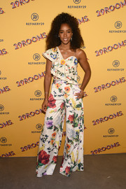 Kelly Rowland matched her top with a pair of floral palazzo pants, also by Alice + Olivia.