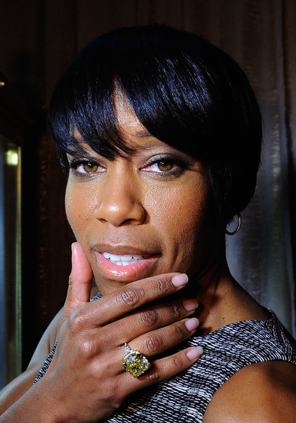 Regina King Emo Bangs [televison drama series,scenes,hair,face,hairstyle,lip,black hair,beauty,eyebrow,chin,bangs,hand,diamond ring,regina king,actor nominee,sag awards,social media,graff diamonds,screen actors guild awards ceremony behind-the-scenes,ceremony]