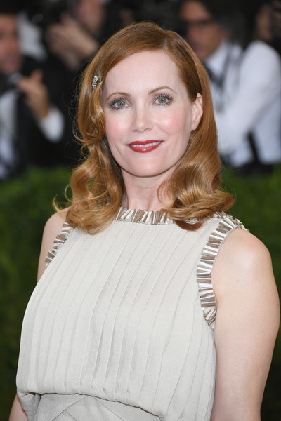 Leslie Mann looked darling with her vintage-style curls at the 2017 Met Gala.