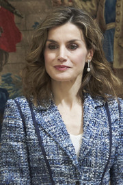 Queen Letizia of Spain showed off elegant curls at the Reina Letizia Awards.
