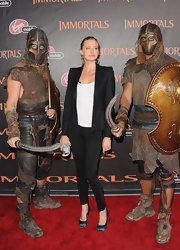 Estella Warren was chic in jewel-toned pumps at the 'Immortals' premiere.